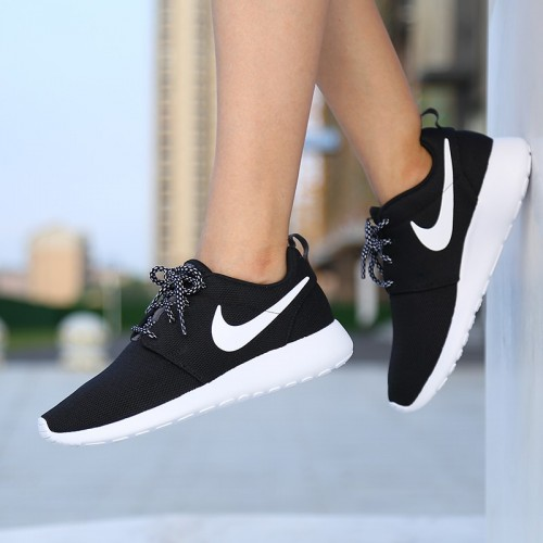 giay-the-thao-chinh-hang-nike-roshe-one-844994-002-1m4G3-XHE0fT_simg_d0daf0_800x1200_max